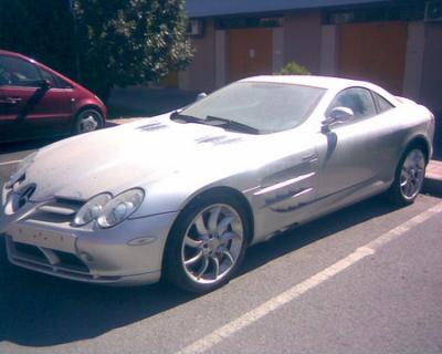 Mercedes SLR Mclaren,abandonado en Granada