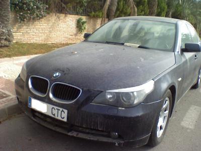 Un señor BMW 530d,abandonado sin piedad