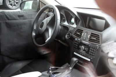 Primera foto espía del interior del Mercedes-Benz E Coupé