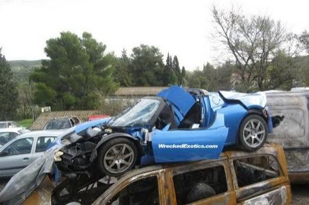 El primer accidente de un Tesla EV Roadster